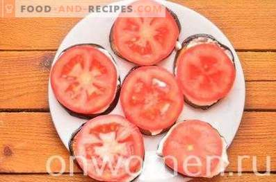 Fried eggplants with tomatoes and cheese