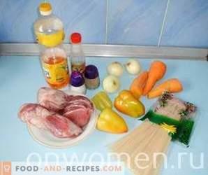 Funchoza med kött och grönsaker