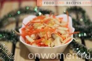 Krautsalat mit Möhren und Mais