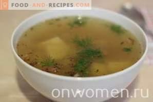 Supă de cartofi cu miel într-un aragaz lent